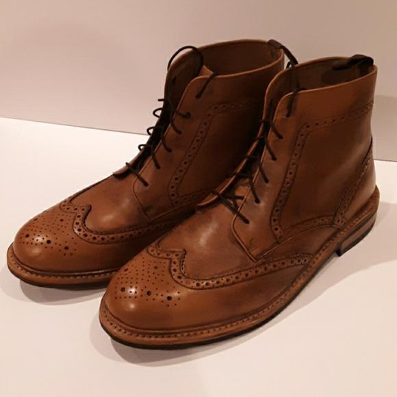 Like New Samuel Windsor Brogue Boot
